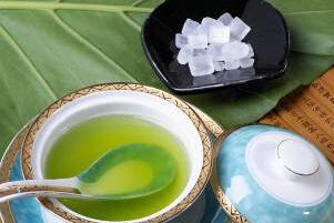 铁皮石斛叶片茶的冰糖茶泡制方法